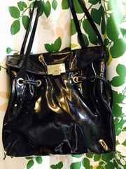 良品ジミーチュウパテントレザーハンドバッグ正規品ブラックロゴ