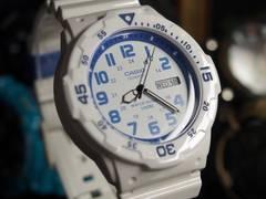 新品 CASIO カシオ 限定 腕時計 ホワイト ラバー タイプ メンズ