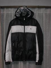 バーバリーブラックレーベル ホースマーク刺繍2カラーフードダウンジャケット黒×白