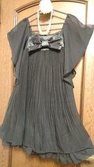 胸元リボン付☆バタフライスリーブがエレガントなAラインアコーディオンプリーツドレス
