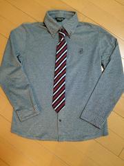 新品同様☆コムサ140�pネクタイ付き長袖ボタンダウンシャツ
