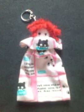 モバオクで買える「●ハンドメイド/キーホルダー/ミニ巾着/ねこ柄(赤)」の画像です。価格は200円になります。