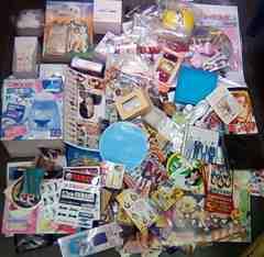 大処分!アニメ玩具雑貨詰め合わせ福袋