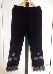 【最終】ストレッチ花柄レース刺繍の黒アンクルパンツ★クロップドズボンボトムス