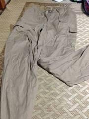 LLサイズ ベージュの長ズボン