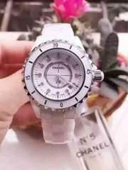 シャネル腕時計ダイヤ白
