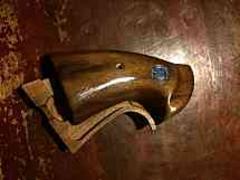 タナカワークスパイソン用木製グリップ