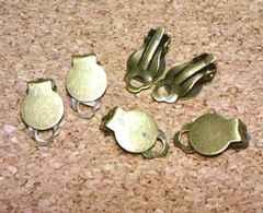 クリップ式平皿イヤリングパーツ6個金古美