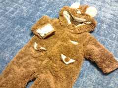 クマの着ぐるみ風フワフワカバーオールおくるみサイズ60〜70�p耳付き