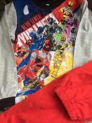 新品格安!《宇宙戦隊キュウレンジャー》光るパジャマ赤120cm