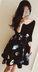 新品【6791】黒VネックX花柄★七分袖ワンピース