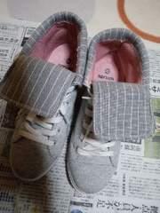靴灰色スニーカーLサイズ(24.5�p)