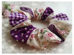 【ハンドメイド】シュシュ 紫 白 パッチ柄 花柄 チェック 手作り
