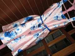 未使用タグ付☆ロイヤルブルー×ピンク*フラワー模様ワンピース