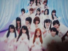 AKB48メンバー何人かで写ってる生写真。