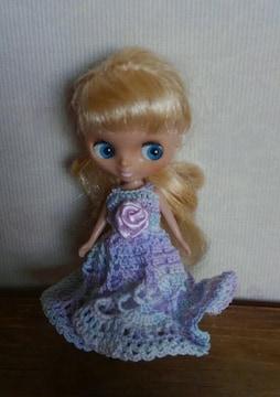 プチブライス水色系のレース編みドレス