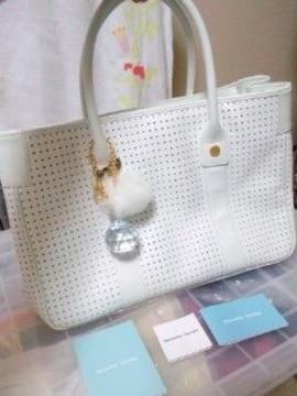 【新品同様】 サマンサタバサ チャーム付きバッグ