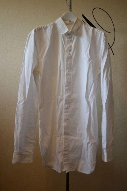 MUGLERミュグレー 比翼白長袖シャツ  < 男性ファッションの