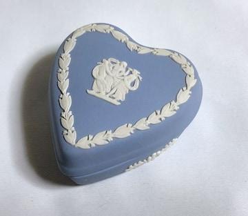 正規美 ウェッジウッド ジャスパー ハートモチーフ 小物入れ 白×青 ジュエリーBOX