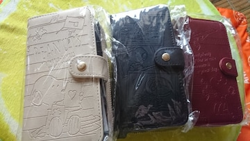 新品 スヌーピー スマホカバー兼 財布  (1個の価格です)