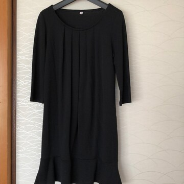 ユニクロ Mサイズ 黒チュニック らくらく便180円