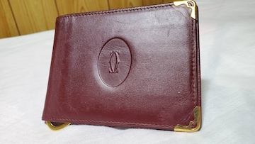 正規 カルティエ 2Cロゴ ゴールド装飾 レザーマネークリップ 赤 財布×カードケース