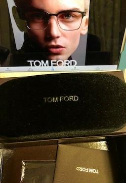 トムフォード メガネケース