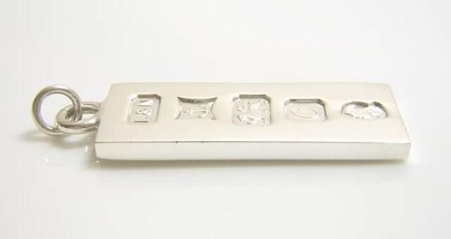 英国ヴィンテージ バーミンガム 1977年 純銀 ホールマーク < 女性アクセサリー/時計の
