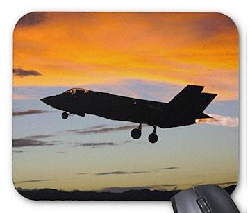 ステルス戦闘機 F-35 のマウスパッド (C)