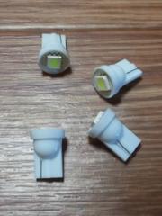 LED T10ウェッジ球(白/高輝度SMD/3連級)4個セット