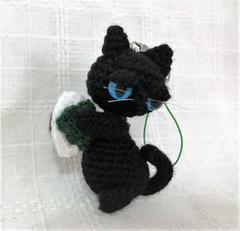 送料無料◆あみぐるみ◇やさぐれ黒猫の柏餅*ストラップ