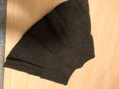 冬素材のフレアプリーツスカート グレー Mサイズ