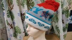 新品★ROXY★ターコイズブルー&赤★ポンポン付きニット帽