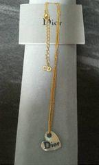 ディオールハートカットシェル(貝)「Dior」ロゴネックレス