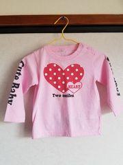 ピンクに赤ハートの長袖Tシャツ90