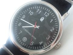 6120/アベイシングエイプAPE迷彩ダイヤル★ミリタリーデザインのメンズ腕時計