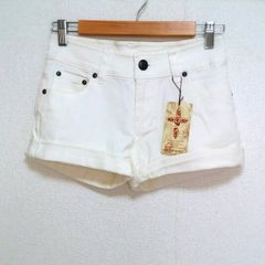 即決!! SALE!! 新品タグ付 ホワイトデニム ショートパンツ
