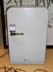 FUJI CORONA FCH-15自動車、家庭兼用携帯冷蔵庫、