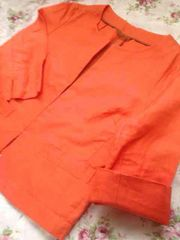 ユニクロ ノーカラーオレンジジャケット