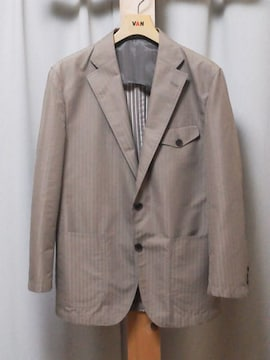 新品 > BRAND>YUKI TORII デザインの上品なジャケットです !