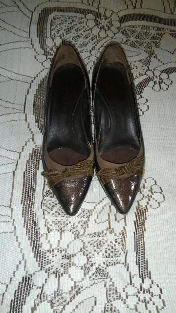 �H茶色の靴  < 女性ファッションの