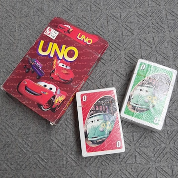 新品 知育玩具 カーズ UNO カードゲーム