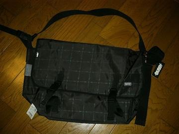 新品STUSSYステューシーメッセンジャーバッグ黒ショルダーカバン