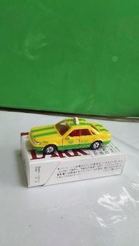 日本製NO.51日産ブルーバードタクシー     中央030