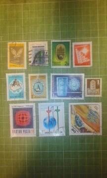 ハンガリー模様等切手11種類♪