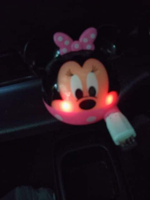 ★スマートフォン 車の充電器  ほっぺが光る 新品  iPhone glo グロー可● < 自動車/バイク