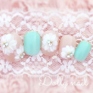 みぢょ!チビ爪ベリショ爽やか可愛いミントグリーン/ベージュお花フラワーネイル