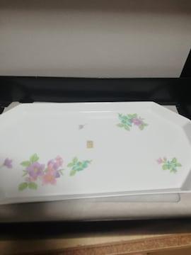 ☆激安☆大幅値下げ高級白磁の飾り皿(未使用)