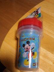 ミッキーマウスのカップ、3個組みです。