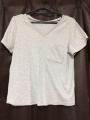 MサイズVネックTシャツ